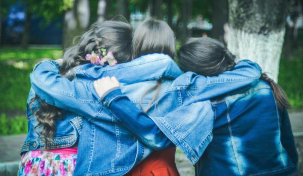 12 beneficios psicológicos de la amistad